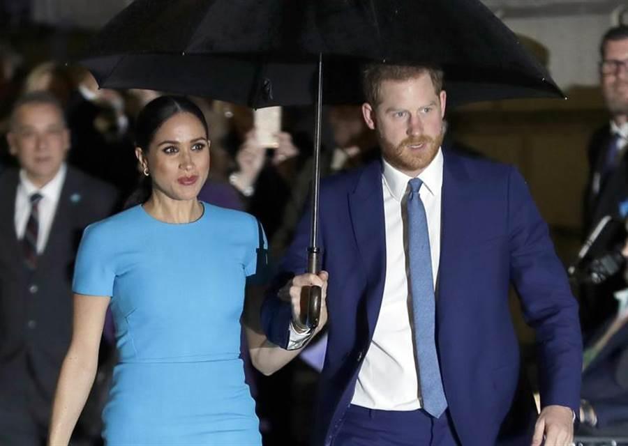 英國哈利王子和妻子梅根的傳記預定8月出版,書中大爆2人「脫英」內幕,部分內容搶先曝光後,再度向王室丟下震撼彈。(美聯)