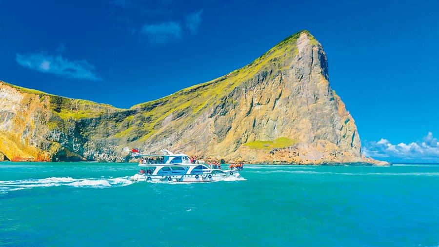KKday的季節限定宜蘭龜山島賞鯨半日遊,800元起。(KKday提供)