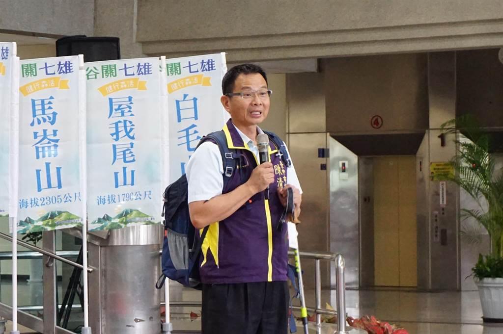 熱愛山林運動的陳清龍提醒谷關七雄屬中級山,不是一般步道。(王文吉攝)