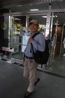搭帳棚被拆 統促黨李承龍朝公務員潑水判拘役