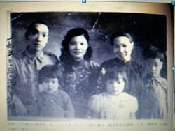 曾被視為「匪諜之子」王曉波花半世紀為母平反