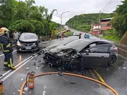 貢寮台2丙線爆嚴重車禍 2車對撞5人送醫