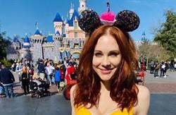「我的粉丝长大了」迪士尼女星脱衣捧乳 下海拍A片
