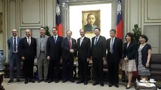 游錫堃接見歐洲在台商會 促台歐盟洽簽雙邊投資協定