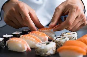 買壽司蝦子發出藍色螢光 學者一看急勸千萬別吃