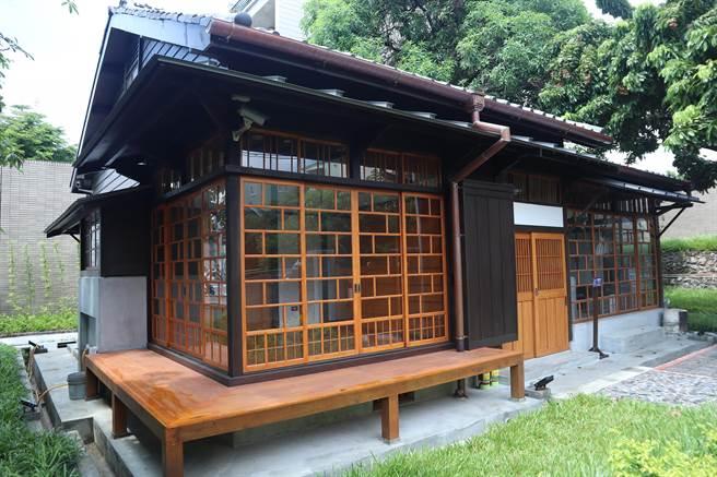 位于台南市东区的原竹园町台南州职员宿舍,2016年由文化局登录为歷史建筑后,于2018年启动修復,如今工程告竣,日式建筑抢先亮相。(李宜杰摄)