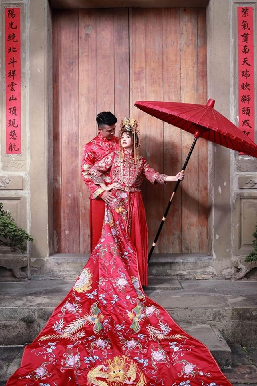 簡懿佳宣布成為李太太。(圖/翻攝自簡懿佳臉書)