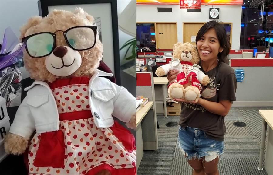 少女開心抱著失而復得的小熊玩偶。(圖/翻攝Twitter@CBCDeborahGoble、@drawmaradraw)