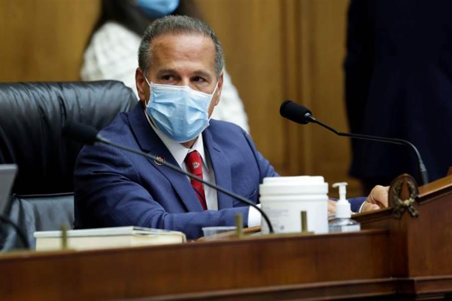 美國國會召開科技業反壟斷聽證會,由民主黨藉的眾議院反壟斷小組委員會主席David Cicilline擔任主席。圖/路透