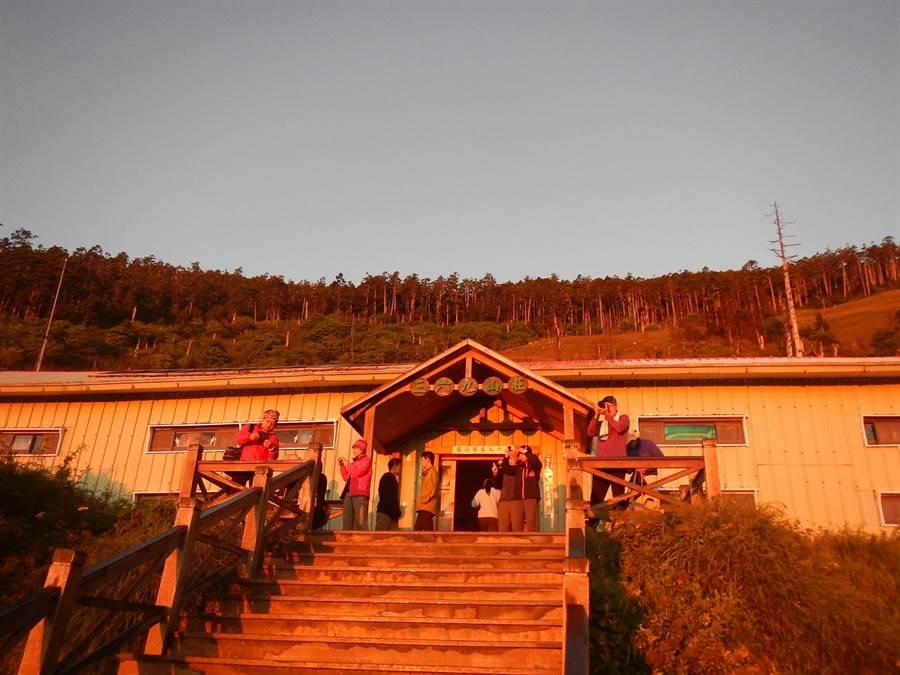 山屋(莊)是高山的避風港,需要山友共同珍惜。(雪管處提供/巫靜婷苗栗傳真)