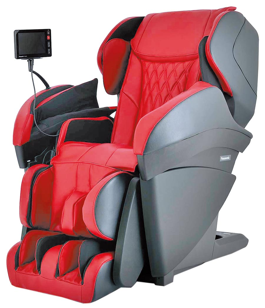 Global Mall新北中和店推薦tokuyo Panasonic REAL PRO王者之座手感按摩椅,原價25萬8000元,優惠價22萬9000元,再贈鋁合金智跑機。(Global Mall提供)