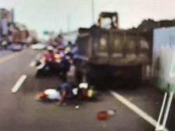 16歲少女騎電動機車與貨車相撞 當場無生命跡象