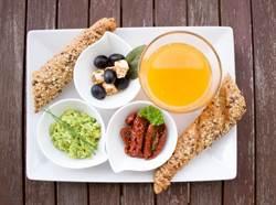 糖尿病患者易疲勞、怎麼睡都睡不飽 醫揭原因:早餐吃錯了