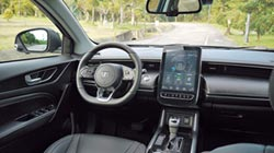 試駕報告-多用途SUV之王 LUXGEN URX 5+1 樂活環景款