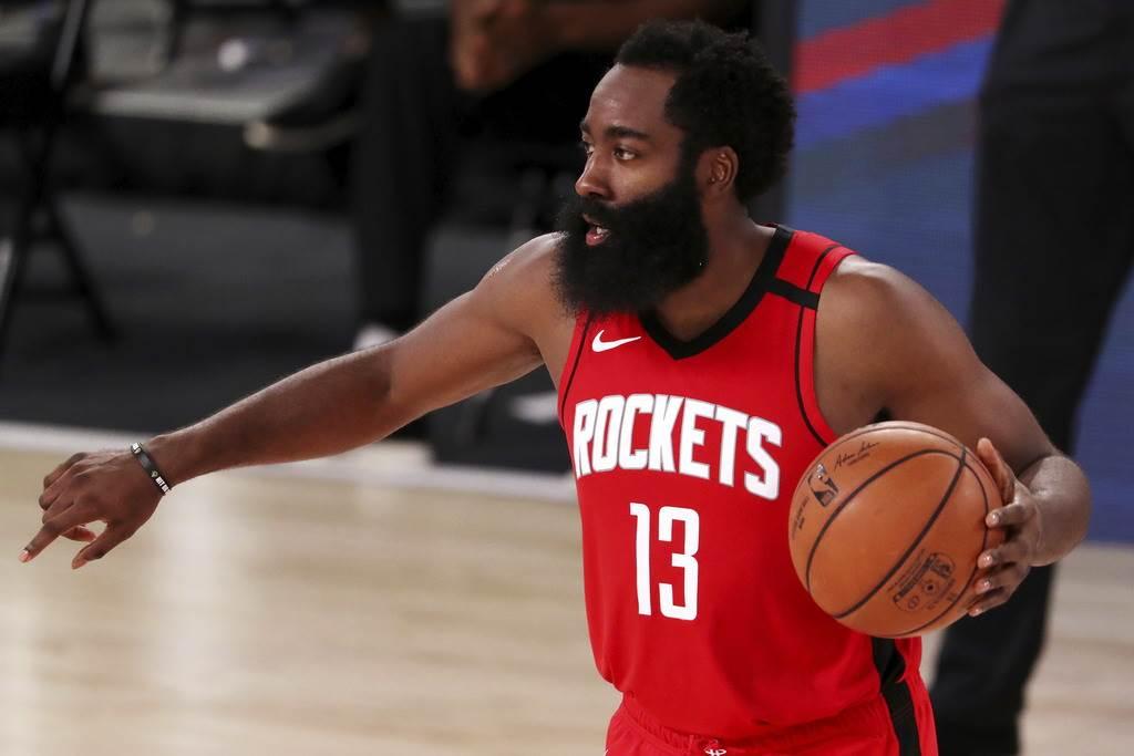 哈登希望透過交易離開火箭,進而加盟籃網與前隊友杜蘭特組成超級強隊。(美聯社資料照)