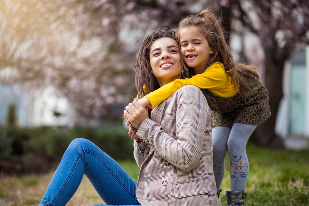 教養路上,不再重複自己童年的傷痕。示意圖。(圖片來源/達志影像shutterstock提供)