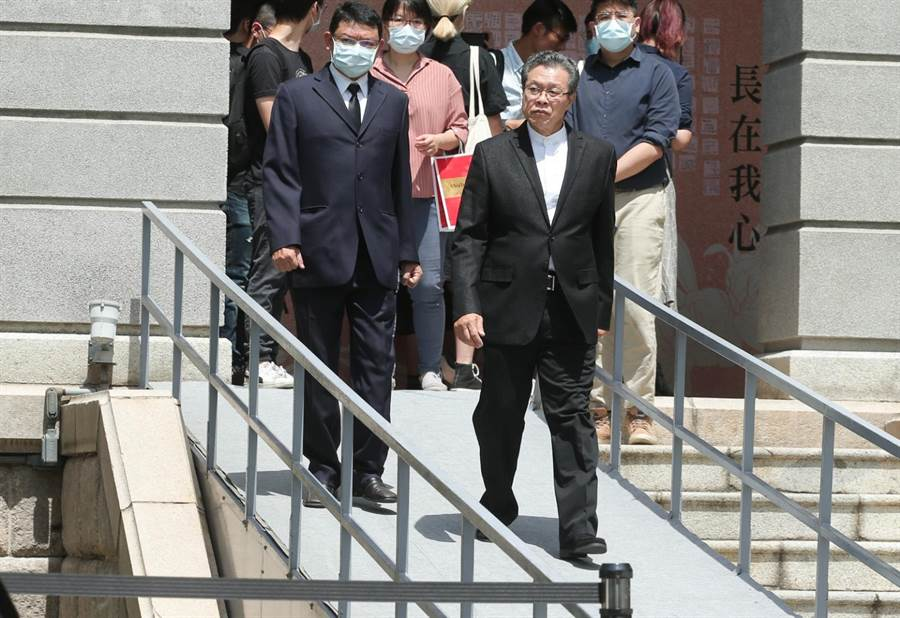杨烈1日赴台北宾馆悼念前总统李登辉。(粘耿豪摄)