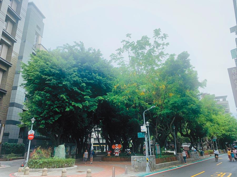 東門站位處大安森林公園和中正紀念堂兩大綠帶中間,享台北市區難得的公園綠意。圖/信義提供