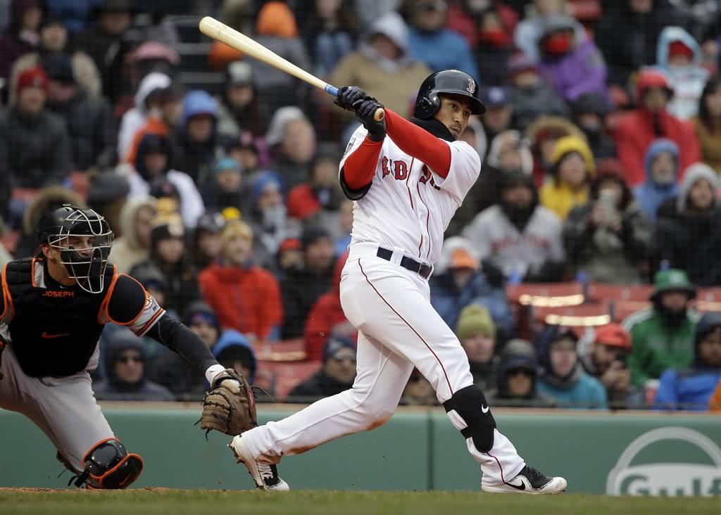 「基襪大戰」第2場林子偉擔任先發二壘手、打第9棒。(美聯社資料照)