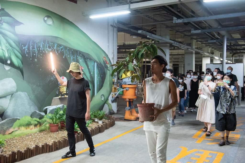 《日月潭是一個水泥盒》,帶觀眾從台北迪化汙水處理廠,深入城市經常被忽略的地帶。(台北藝術節提供)