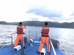 1男1女澳底漁港共乘立槳翻覆 女救起男過一天仍下落不明