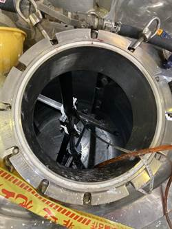 樹林知名藥廠員工墜3尺深儲槽亡 新北勞檢處勒令停工