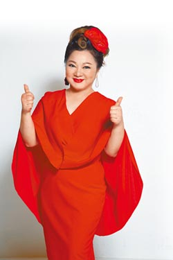 白冰冰夏戀開唱抱徐佳瑩沾喜氣