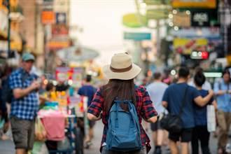 陆旅游业抢暑期商机 机票1折、门票免费样样来