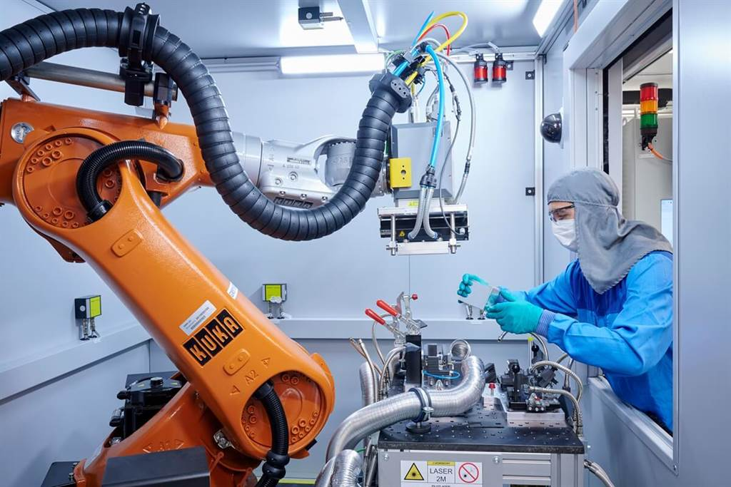 從原料到回收利用:BMW集團為電池組開發可持續的材料循環
