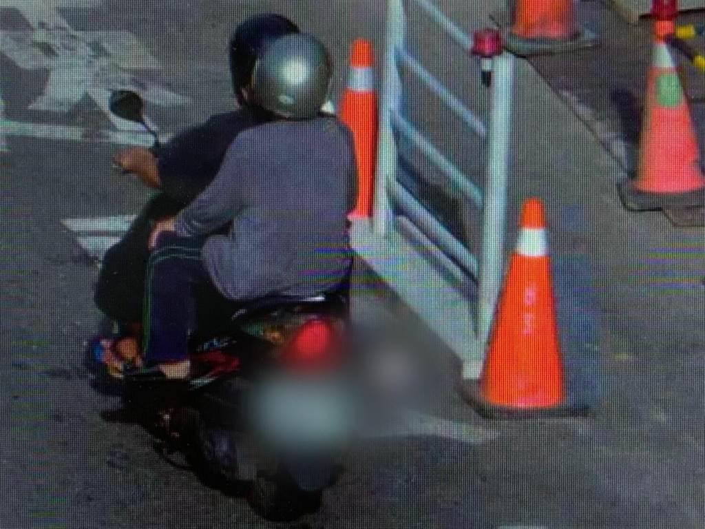 53王姓男子與39歲許姓男子偷竊贓車代步後結夥搶奪陳姓婦人。(翻攝照片)