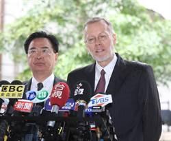 AIT處長酈英傑:李登輝的改革使台灣成民主燈塔