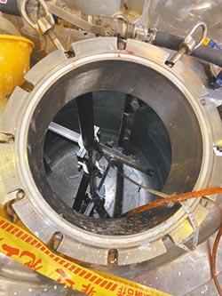 藥廠員工墜3公尺儲槽中毒亡