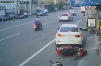 新竹女倒車撞倒機車 邊走邊笑甩頭而去 騎士怒轟:根本肇事逃逸