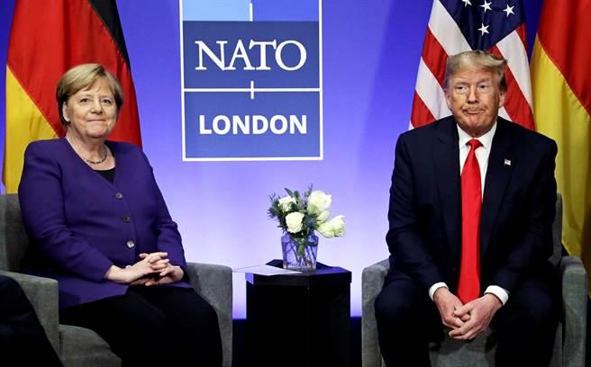美國總統川普的姪女瑪莉(Mary Trump)接受德國媒體專訪時表示,認為德國總理梅克爾遠比叔叔聰明,川普本人深知這一點,並且對此抓狂。(資料照/美聯社)