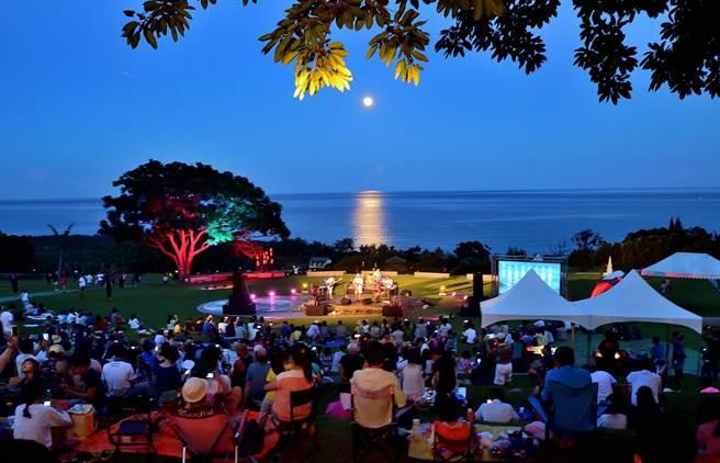 由东管处举办的「2020月光.海音乐会」,首场将于4日登场 。(庄哲权摄)