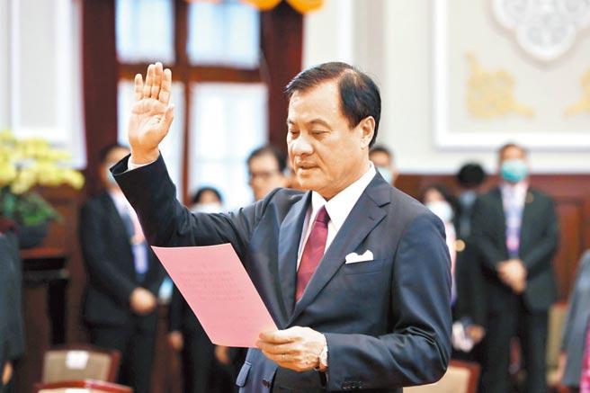 蘇嘉全5月20日宣誓就任總統府祕書長,未料僅75天就請辭。(總統府提供)