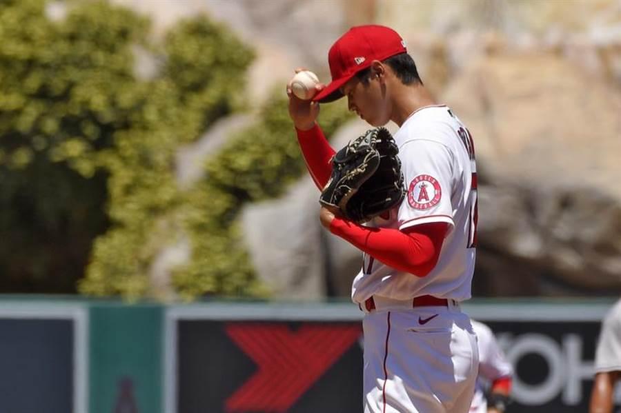 天使投手大谷翔平仍未找回控球狀態,因保送太多退場。(美聯社)