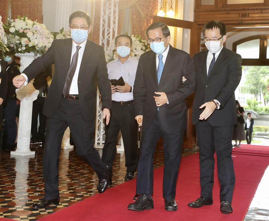前總統李登輝辭世,今(3)日陳水扁(中)前往弔唁。(圖/中央社提供)