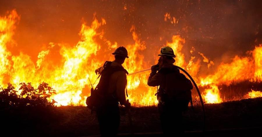 加州又面臨了野火摧殘。(圖/達志/美聯社)