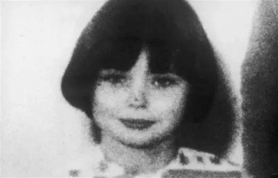 11歲的瑪麗貝爾殺害2名孩童(圖片取自/Wanna Fact!?)