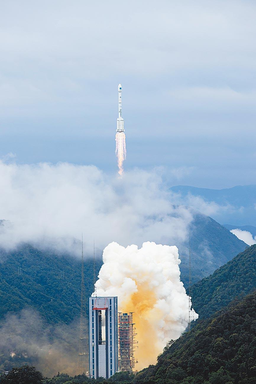 6月23日上午,北斗三號最後一顆衛星發射成功,大陸全面建成北斗全球衛星導航系統。(新華社資料照片)