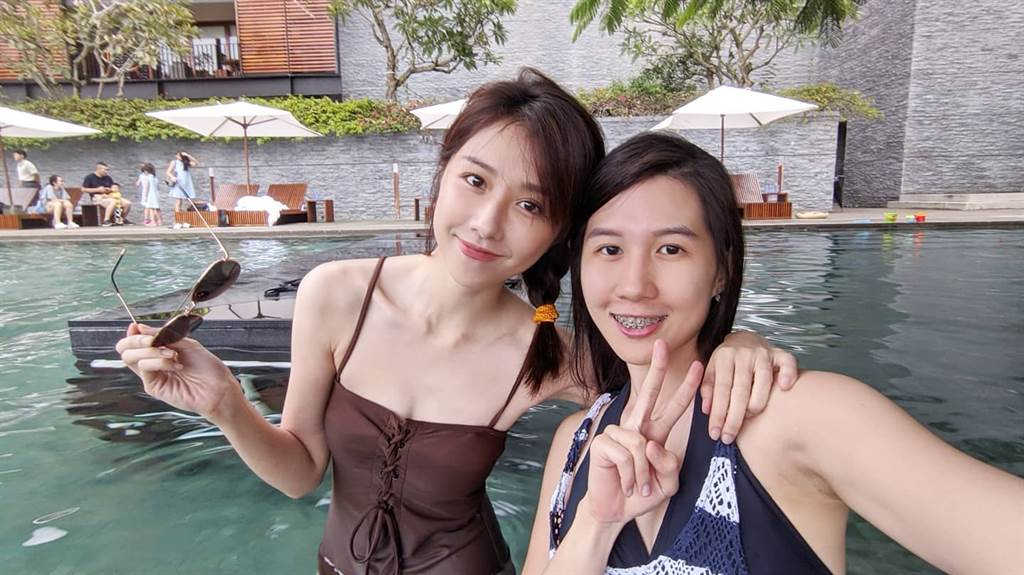 邵雨薇和親妹妹。(圖/FB@邵雨薇)