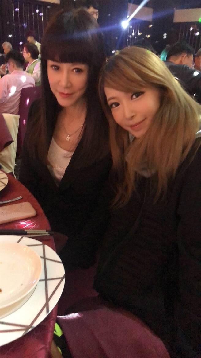 羅霈穎今年2月曬和Makiyo合照。(圖/翻攝自臉書)