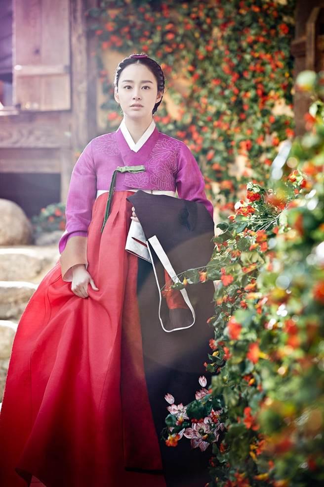 金泰希是第9位饰演张禧嫔的女星,被誉为是史上最美张禧嫔。(中天娱乐台提供)