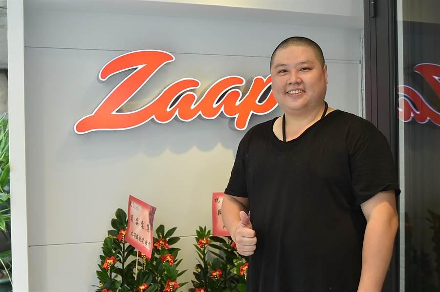 台北新開泰菜私廚〈Zaap〉的主人兼主廚AJ簡士捷,曾在台北喜來登飯店泰菜餐廳與多家知名泰菜餐廳歷練。(圖/姚舜)