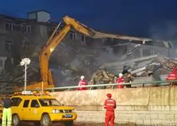 哈爾濱食品公司倉庫崩塌  9人活埋致死