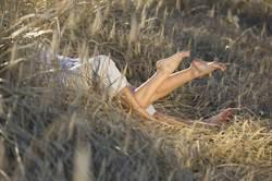 青梅竹馬公園野戰 啪一半正妹身亡 竟是喬姿勢奪命