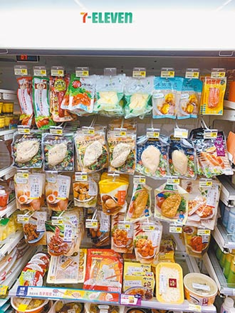 超商鮮食出奇招 麵包架、line群組搶市