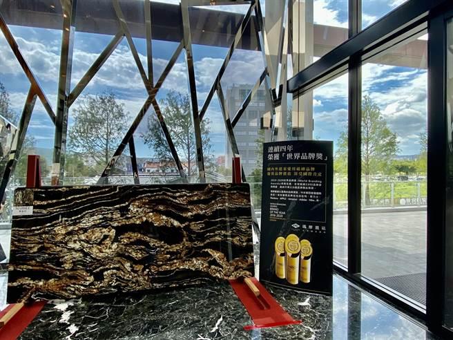 國際磁磚品牌「MML瑪摩麗磁」成為全球最大尺寸薄板磁磚供應商之一,在台中地區新品項曝光兩周,預購訂單便快速突破千萬。(盧金足攝)