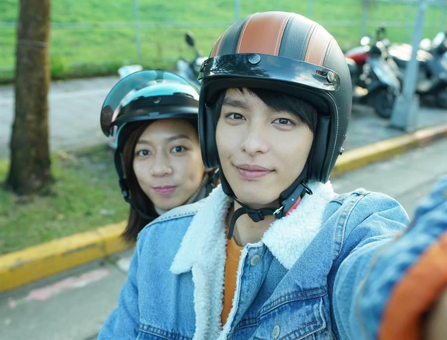 曹佑寧、陳妤2人在片中飾演青梅竹馬。(華映娛樂提供)